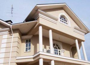 fasad-rustovannyj-shtukaturkoj
